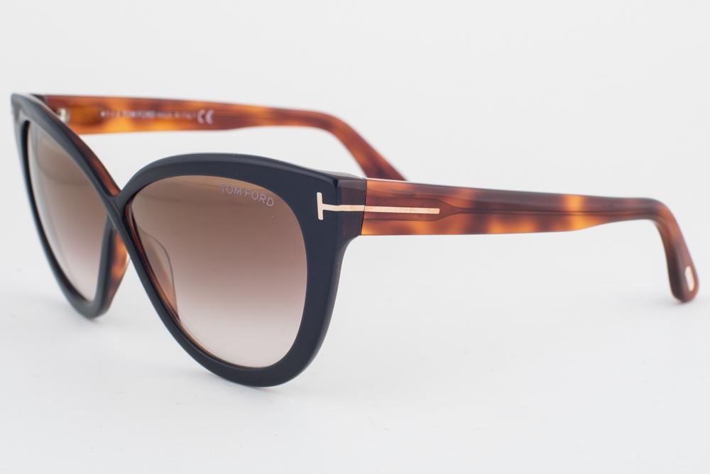 f0fd558306d4 Tom Ford Arabella Black Havana   Brown Gradient Sunglasses TF511 05G ...