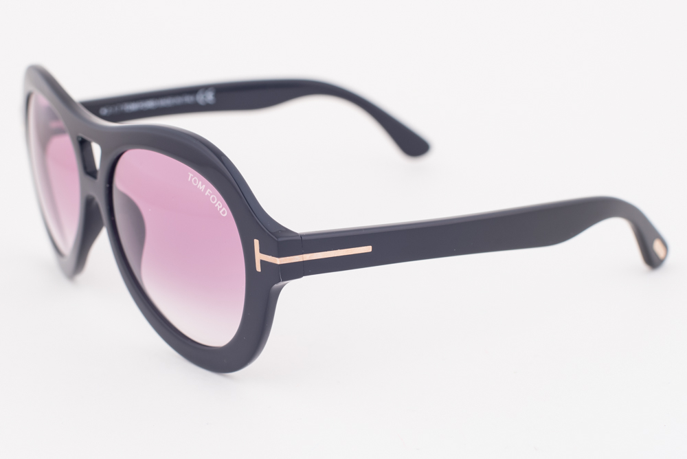 2077626ceba6 Details about Tom Ford Isla Black   Purple Gradient Sunglasses TF514 01Z